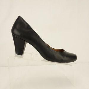 MICHELLE D Pump Black Leather Shoes 